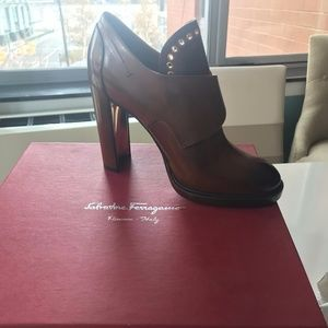 Salvatore Ferragamo Brown Leather Nevers 8.5M